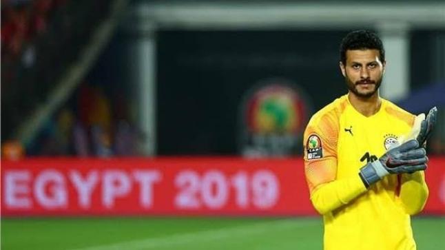 """محمد الشناوي يرفض عرض بيراميدز بقيمة 113 مليون جنيه.. """"الأهلي لا يباع بالأموال"""""""