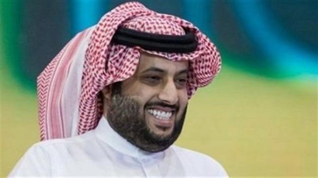 تركي آل الشيخ يشارك جمهوره بصورة لـ أحمد حلمي وعمرو أديب وسعفان